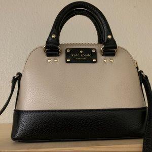 Small Kate Spade crossbody bag